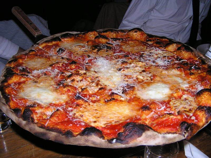 lucali 39 39 s the mysterious pizzeria in carroll gardens the paupered chef