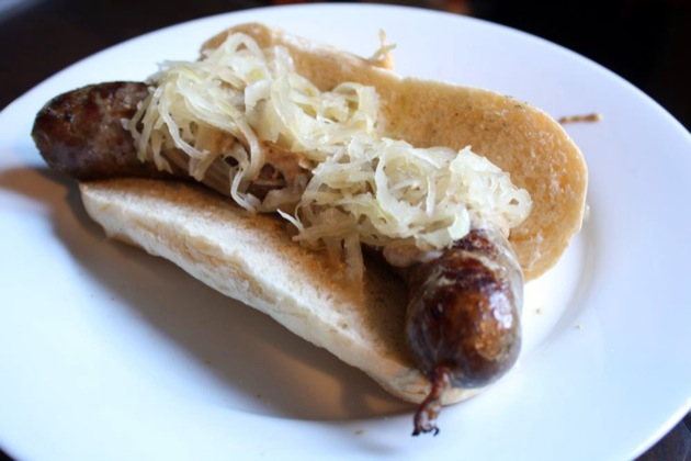 Wisconsin-Style Bratwurst | The